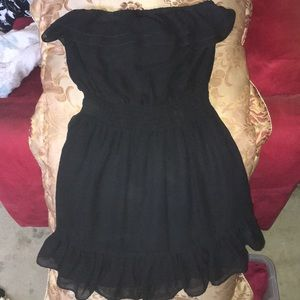 Short ruffle black tube dress